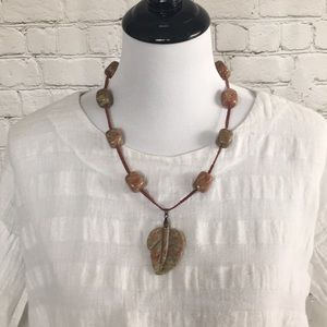 Jewelry - Natural Stone Leaf Necklace